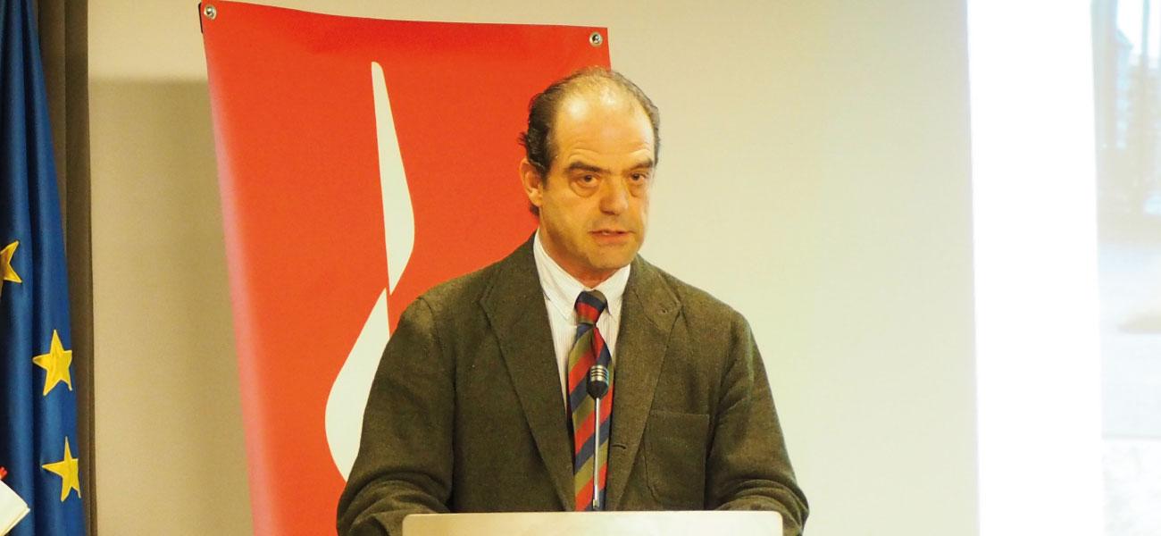 Enrique Hernández Sande en la entrega del premio COAA+10 al edificio EASMU.