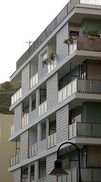 Bloque de viviendas en Alcalde Díaz Penedela, 1, Cangas del Narcea