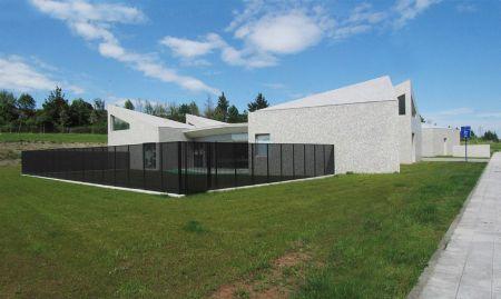 Escuela infantil de 6 unidades (Monica Costales y José Luis Quidiello)