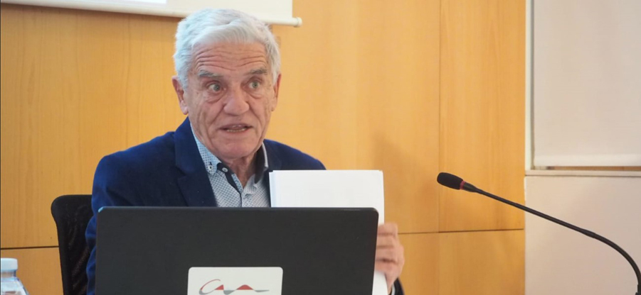 Javier Calzadilla: una Asturias con la cuarta parte de concejos