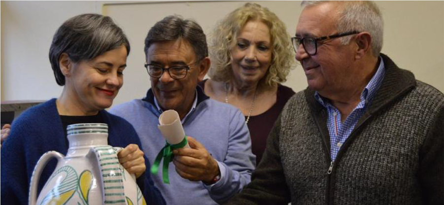 La Asociación Amigos de la Alfarería de Faro galardona al COAA
